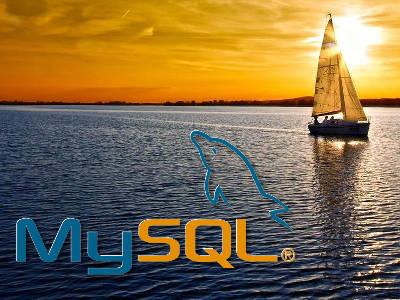 Logo MySQL sobre um fundo com um lago e um barco