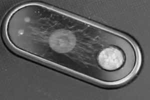 Como reparar danos na lente da câmera do seu smartphone